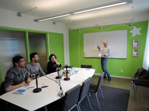 Pressbild för självbildarnas utbildningar, uttalsträning och språkutbildning för invandrare och nysvenskar